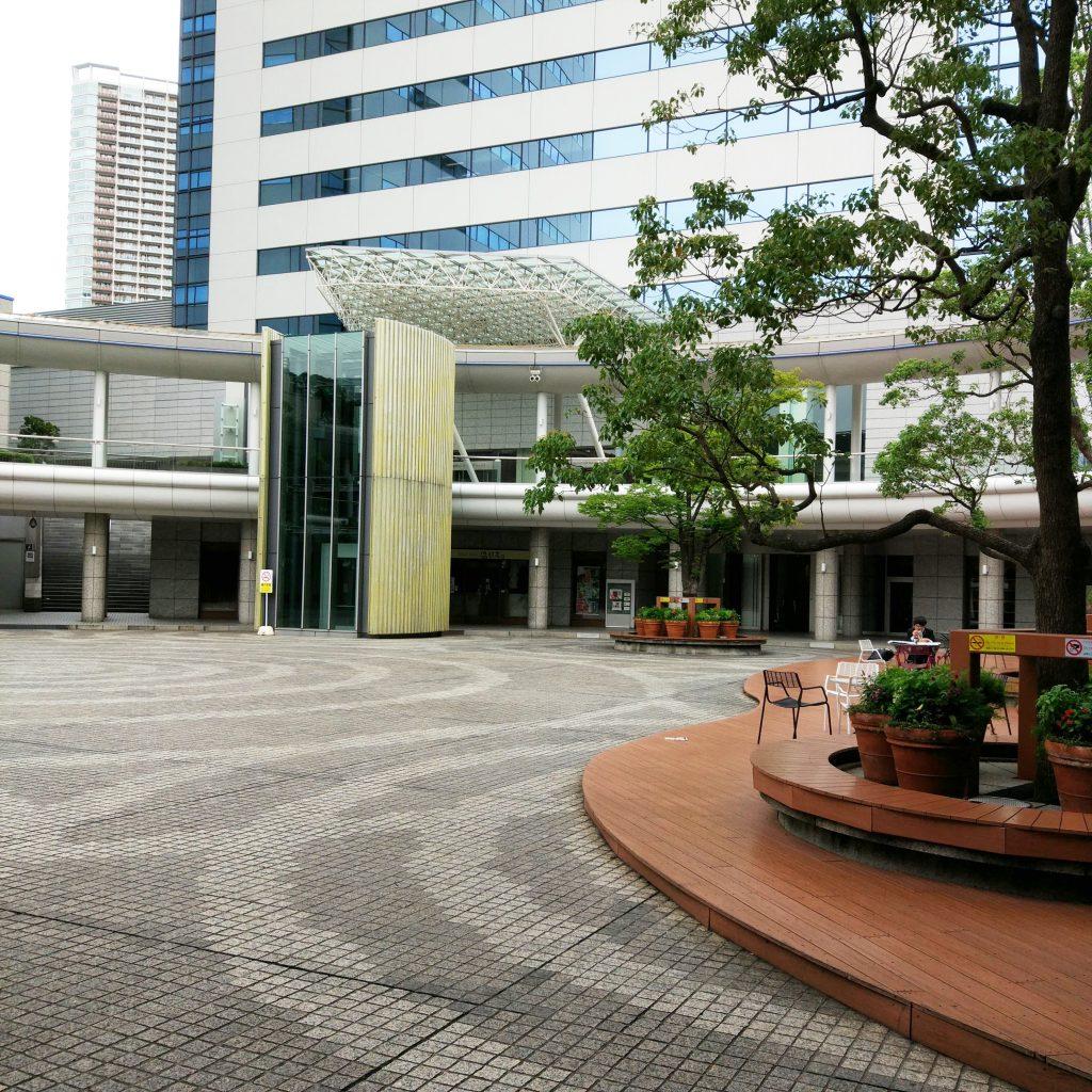 豊洲駅 広場